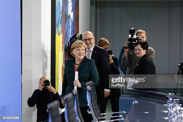 Joint press conference at the Chancellery with ANGELA Merkel Prime Minister Kretschmann Prime Minister Lieberknecht and Prime Minister Albig /...