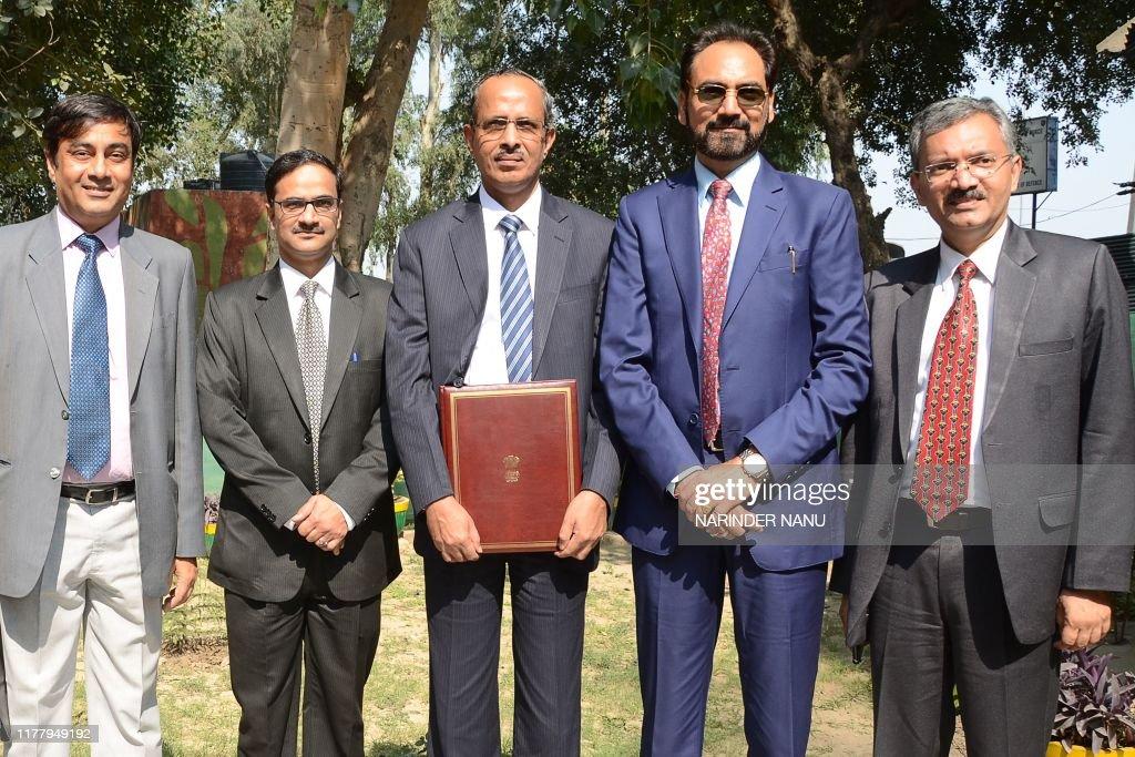 INDIA-PAKISTAN-POLITICS : News Photo