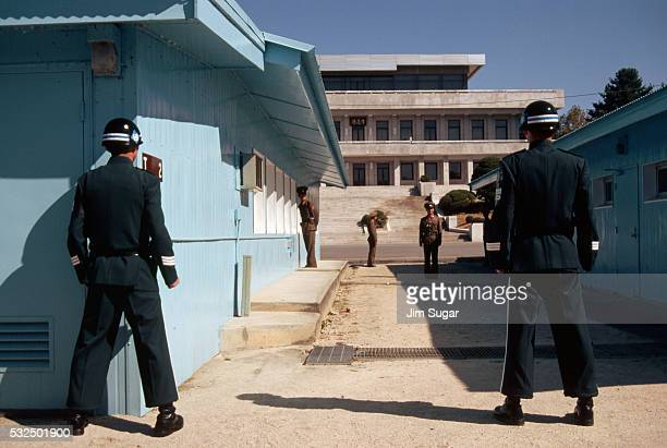 joint security area - panmunjom stock pictures, royalty-free photos & images