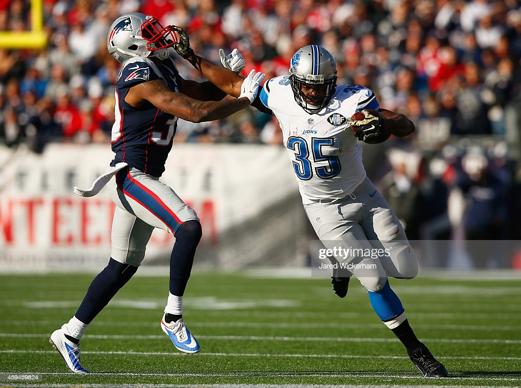 Joique Bell #35 of the Detroit Lions carries the ball during the first quarter against the New England Patriots at Gillette Stadium on November 23, 2014 in Foxboro, Massachusetts.