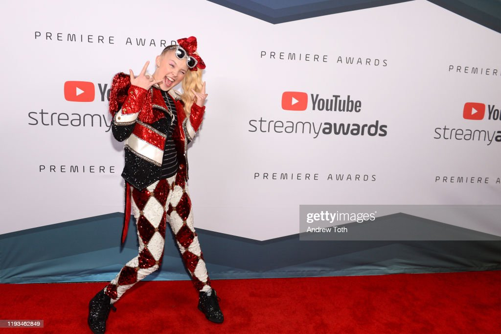 2019 Streamys Premiere Awards hosted by Niki and Gabi at The Broad Stage : News Photo