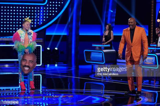 JoJo Siwa vs. The DAmelio Family and Ross Mathews vs. Loni Love Its a clash of the pop-culture stars when dancer JoJo Siwa and her family compete...