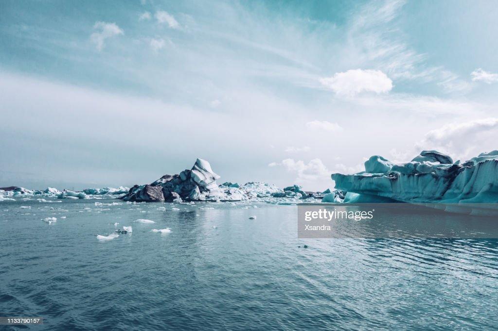 ヨクルサルロン氷河ラグーン : ストックフォト