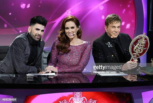 Jomari Goyso Jacqueline Bracamontes and Osmel Sousa pose on the set of 'Nuestra Belleza Latina' at Univision Studios on February 8 2015 in Miami...