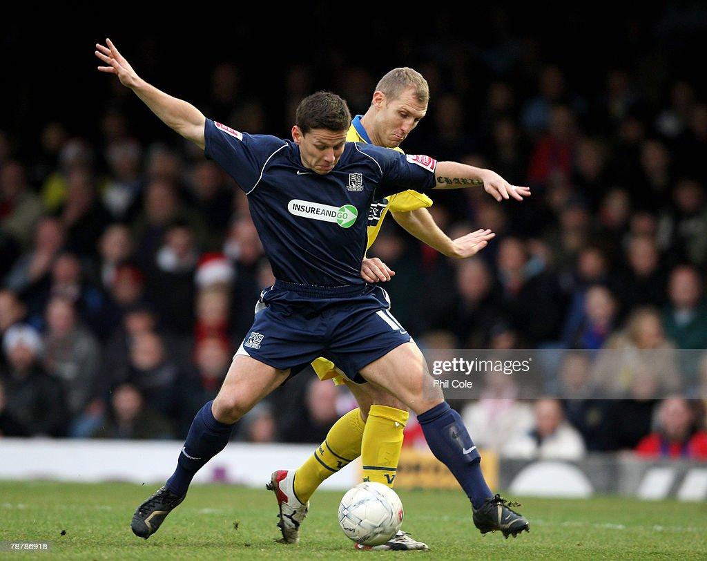 Southend United v Dagenham & Redbridge - FA Cup 3rd Round : News Photo
