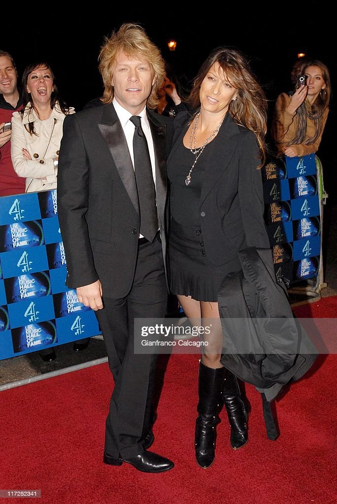 UK Music Hall Of Fame 2006 - Arrivals