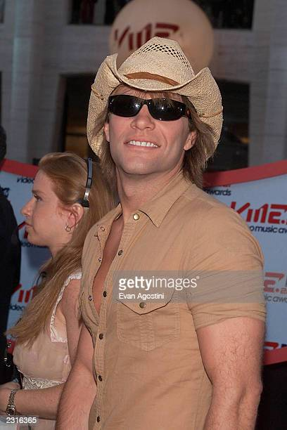 Jon Bon Jovi arriving at the 2001 MTV Video Music Awards held at the Metropolitan Opera House at Lincoln Center in New York City 9/6/01 Photo by Evan...