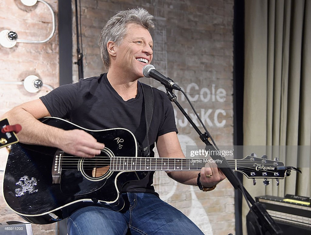 Jon Bon Jovi & Kenneth Cole Curated Acoustic Concert - Mercedes-Benz Fashion Week Fall 2015 : News Photo