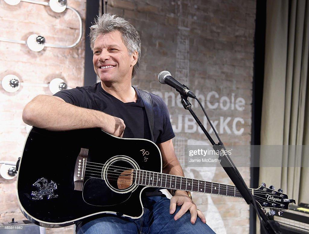 Jon Bon Jovi & Kenneth Cole Curated Acoustic Concert - Mercedes-Benz Fashion Week Fall 2015 : News Photo