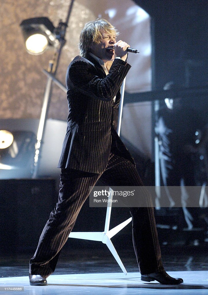32nd Annual American Music Awards - Show : News Photo