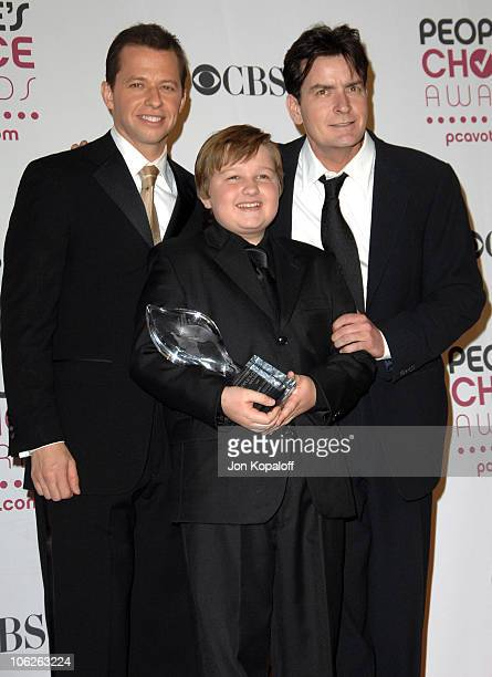 Jon Cryer Angus T Jones and Charlie Sheen of Two and a Half Men winner Favorite TV Comedy