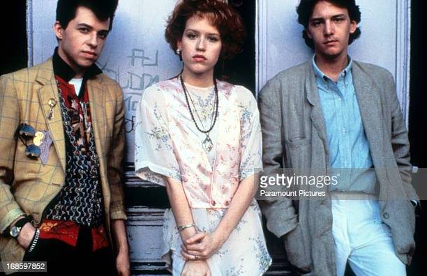 Jon Cryer Molly Ringwald and Andrew McCarthy on set of the film 'Pretty In Pink' 1986