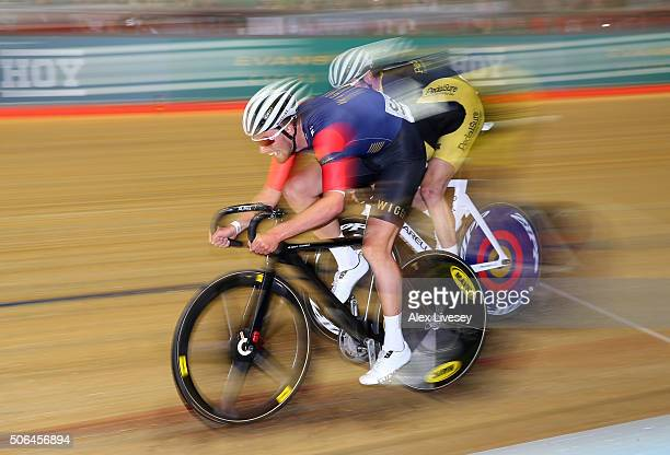 Jon Dibben of Team Wiggins and Great Britain in action during victory in the Elite Championship Team Elimination with team mate Owain Doull during...