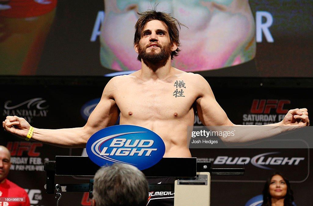 UFC 156: Weigh In
