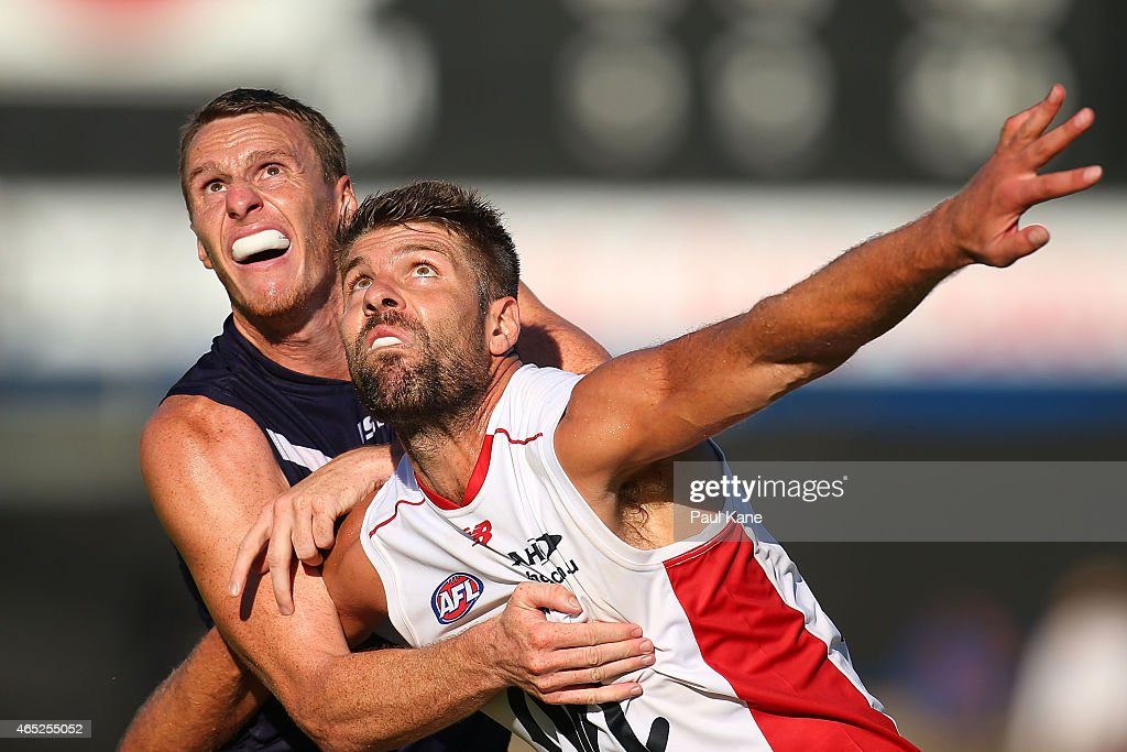 NAB Challenge - Fremantle v Melbourne : News Photo