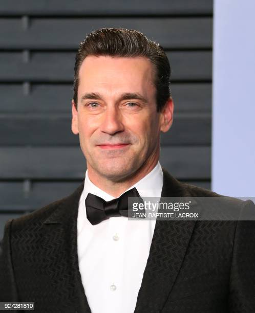 Jon Hamm attends the 2018 Vanity Fair Oscar Party following the 90th Academy Awards at The Wallis Annenberg Center for the Performing Arts in Beverly...