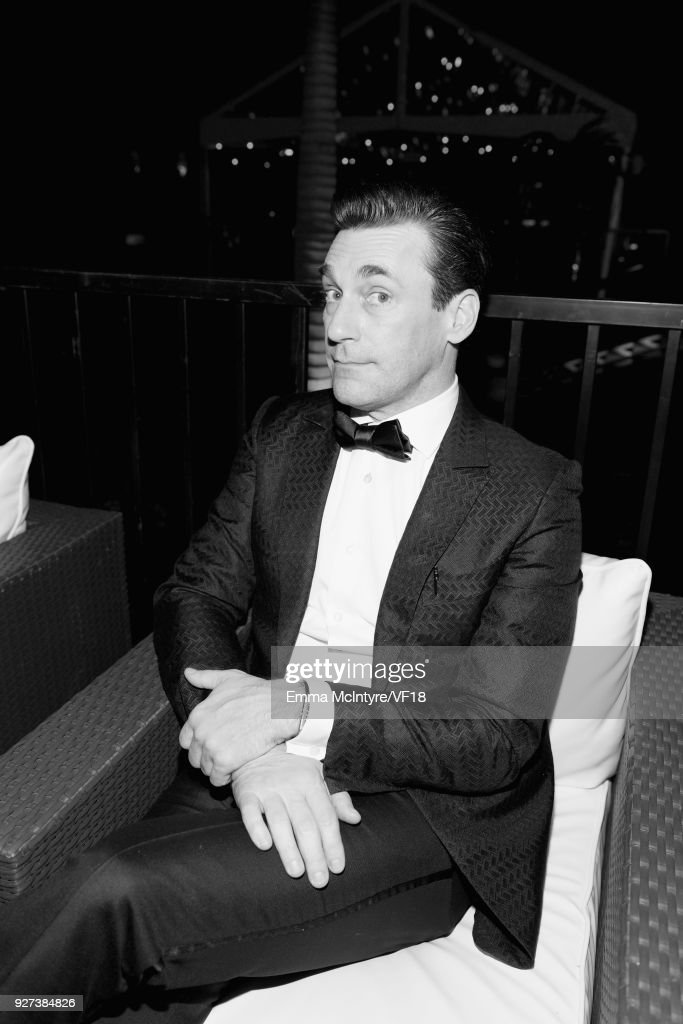 Image has been converted to black and white.) Jon Hamm attends the 2018 Vanity Fair Oscar Party hosted by Radhika Jones at Wallis Annenberg Center for the Performing Arts on March 4, 2018 in Beverly Hills, California.