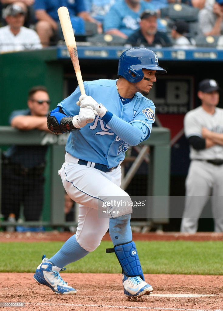 Jon Jay #25 of the Kansas City Royals hits a RBI single in the eighth inning against the New York Yankees at Kauffman Stadium on May 20, 2018 in Kansas City, Missouri.
