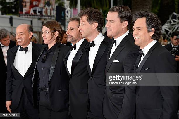 Jon Kilik Megan Ellison Steve Carell director Bennett Miller Channing Tatum and Mark Ruffalo attend the 'Foxcatcher' premiere during the 67th Annual...