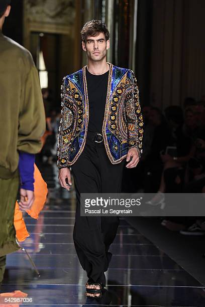 Jon Kortajarena walks the runway during the Balmain Menswear Spring/Summer 2017 show as part of Paris Fashion Week on June 25 2016 in Paris France