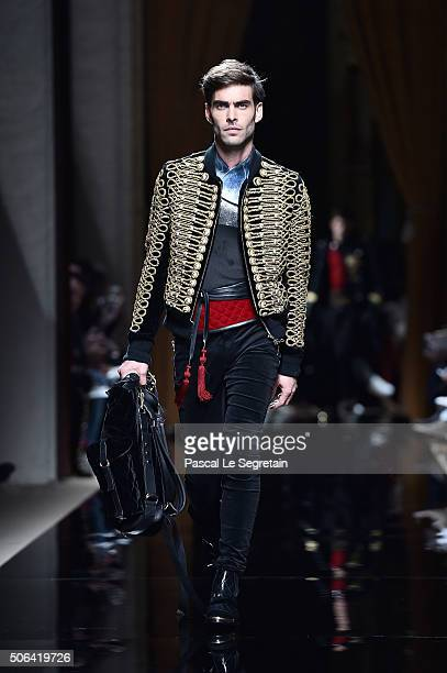 Jon Kortajarena walks the runway during the Balmain Menswear Fall/Winter 20162017 show as part of Paris Fashion Week on January 23 2016 in Paris...