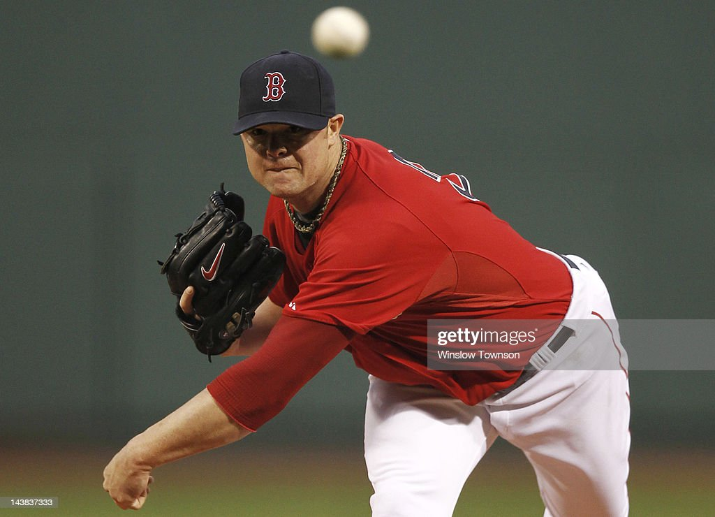 Jon Lester #31 of the Boston Red Sox pitches against the Baltimore Orioles during the first inning of the game at Fenway Park on May 4, 2012 in Boston, Massachusetts.