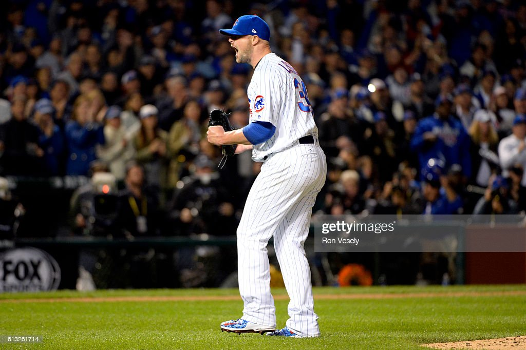 National League Division Series - San Francisco Giants v. Chicago Cubs - Game One : News Photo