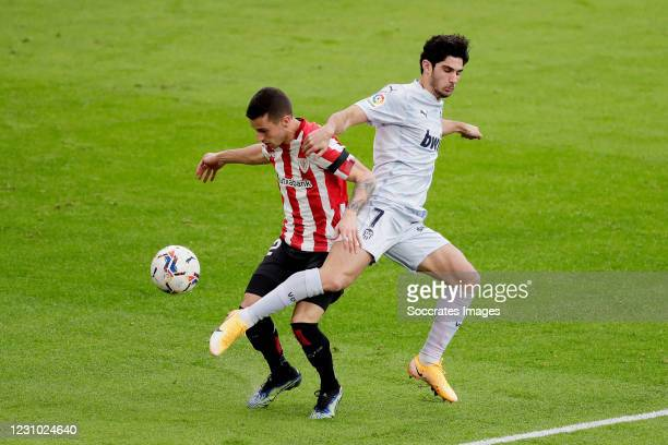 Jon Morcillo of Athletic Bilbao, Goncalo Guedes of Valencia during the La Liga Santander match between Athletic de Bilbao v Valencia at the Estadio...
