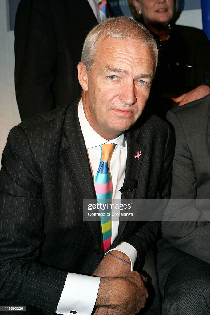 Jon Snow during Turn the Tables Charity Lunch - October 17, 2005 at The Savoy in London, Great Britain.