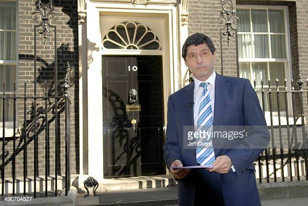 Jon Sopel outside 10 Downing Street for BBC 1's Politics Show Picture date Sunday April 15 2007 Waiting to interview Tony Blair