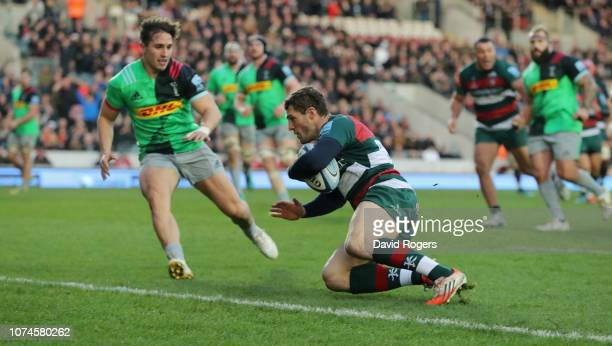 Jonah Holmes of Leicester Tigers dives over to score the first try during the Gallagher Premiership Rugby match between Leicester Tigers and...
