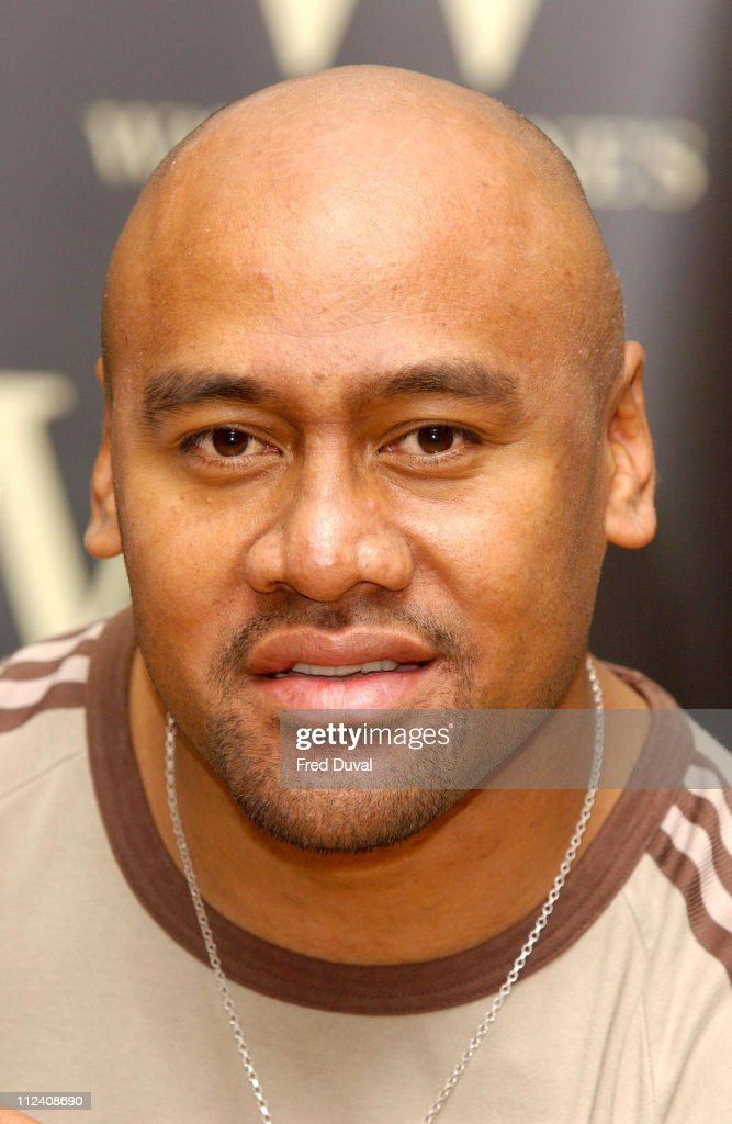 "Jonah Lomu ""The Autobiography"" Book Signing - May 25th, 2004"