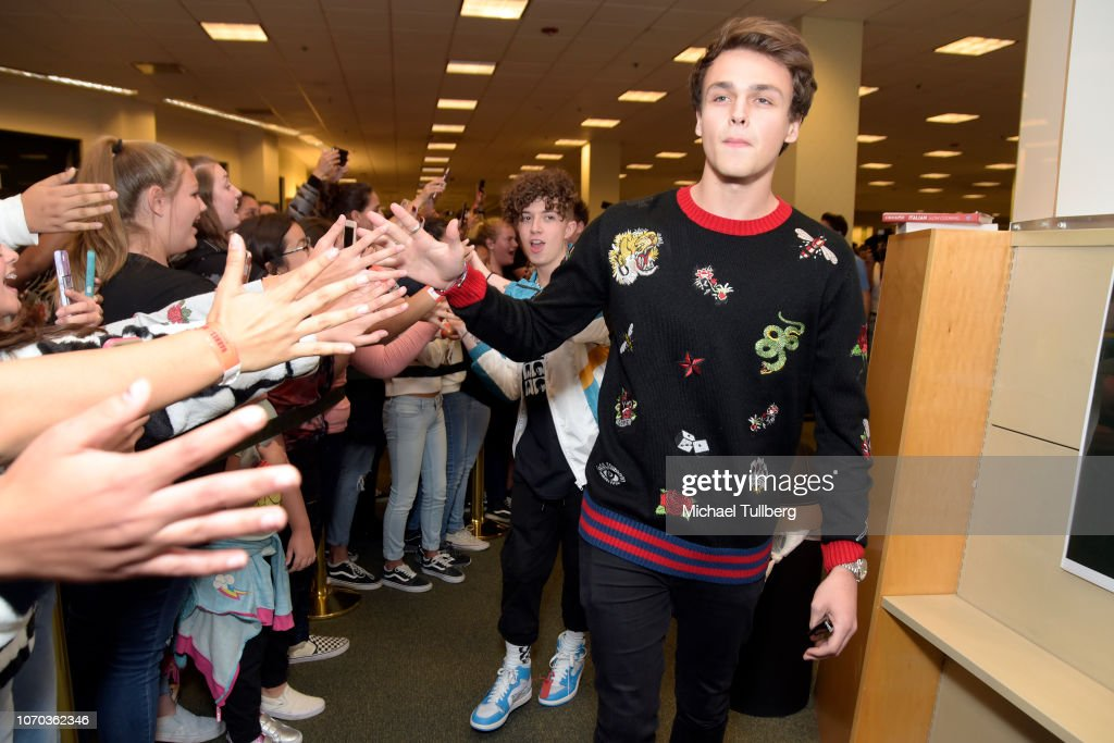 Jonah Marais Of Why Don T We Attends A Signing Event For The Book