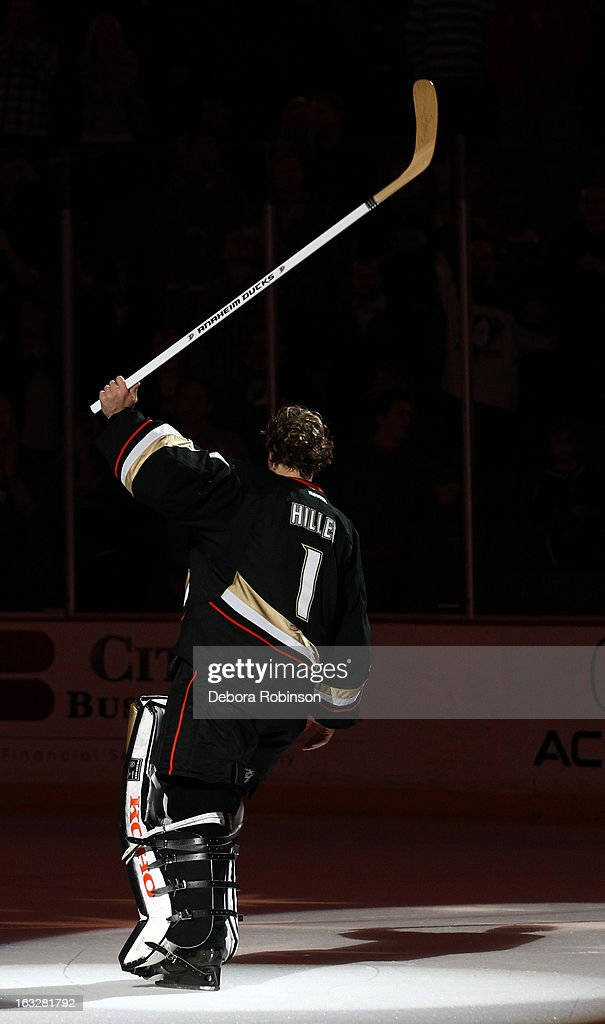 Jonas Hiller #1 of the Anaheim Ducks acknowledges the fans after the Ducks' 2-0 win over the Phoenix Coyotes on March 6, 2013 at Honda Center in Anaheim, California.