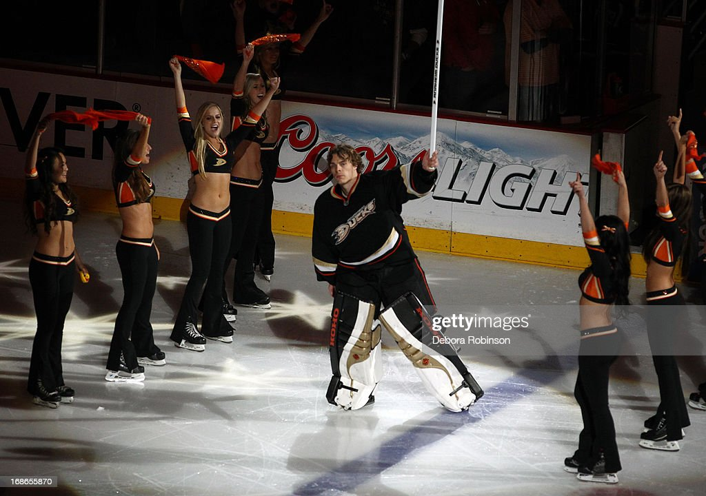 Jonas Hiller #1 of the Anaheim Ducks acknowledges the fans after the game against the Detroit Red Wings in Game Five of the Western Conference Quarterfinals during the 2013 NHL Stanley Cup Playoffs at Honda Center on May 8, 2013 in Anaheim, California.