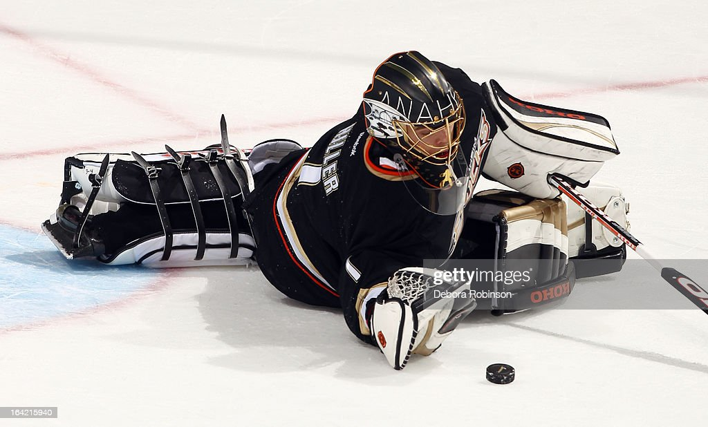 Jonas Hiller #1 of the Anaheim Ducks eyes the puck during the game against the Chicago Blackhawks on March 20, 2013 at Honda Center in Anaheim, California.