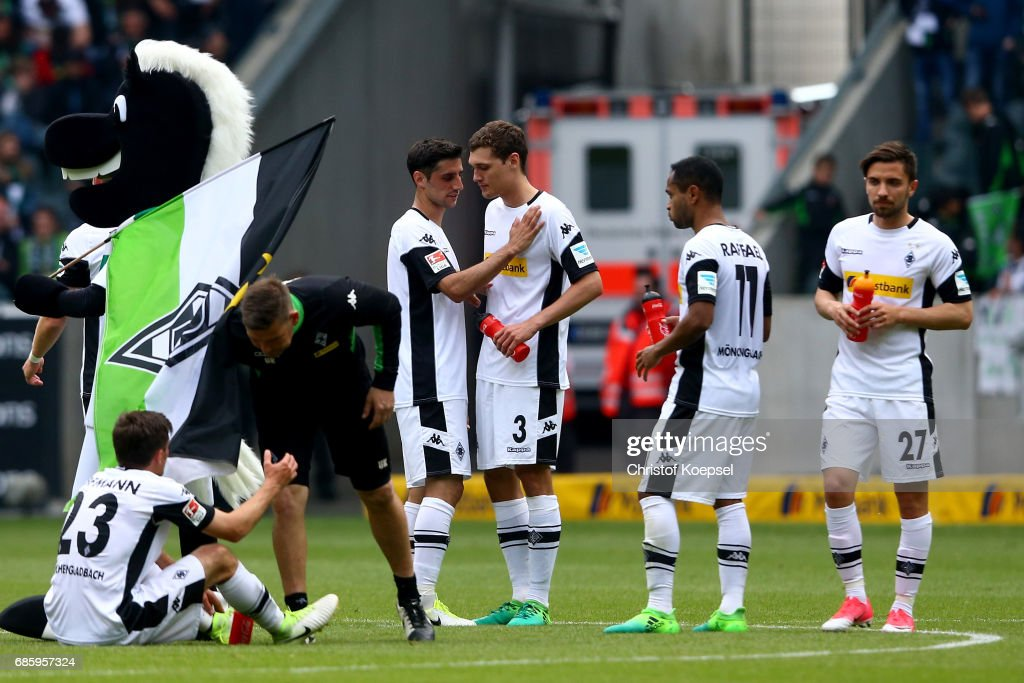 Jonas Hofmann, Lars Stindl, Andreas Christensen, Raffael and Julian Korb of Moenchengladbach look dejected after the Bundesliga match between Borussia Moenchengladbach and SV Darmstadt 98 at Borussia-Park on May 20, 2017 in Moenchengladbach, Germany. The match between Moenchengladbach and Darmstadt ended 2-2.