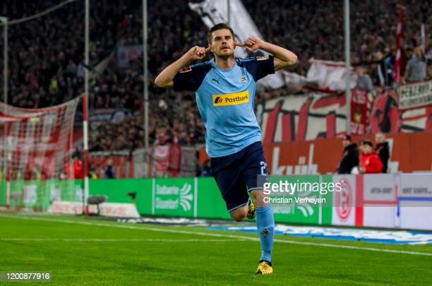 Jonas Hofmann of Borussia Moenchengladbach celebrate after he score his teams first goal during the Bundesliga match between Fortuna Duesseldorf and...