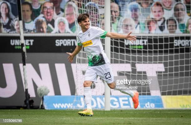 Jonas Hofmann of Borussia Moenchengladbach celebrates after scoring the 10 during the Bundesliga match between Borussia Moenchengladbach and Hertha...