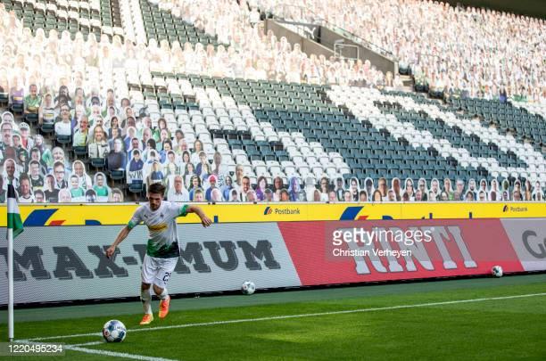 Jonas Hofmann of Borussia Moenchengladbach in action at a corner kick during the Bundesliga match between Borussia Moenchengladbach and VfL Wolfsburg...