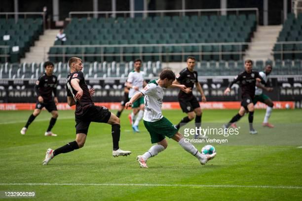 Jonas Hofmann of Borussia Moenchengladbach in action during the Bundesliga match between Borussia Moenchengladbach and VfB Stuttgart at Borussia-Park...
