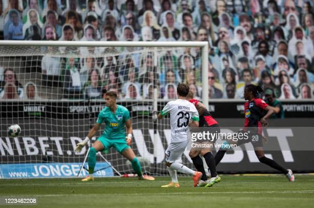 Jonas Hofmann of Borussia Moenchengladbach score his teams first goal during the Bundesliga match between Borussia Moenchengladbach and Hertha BSC at...