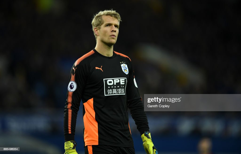 Everton v Huddersfield Town - Premier League : News Photo
