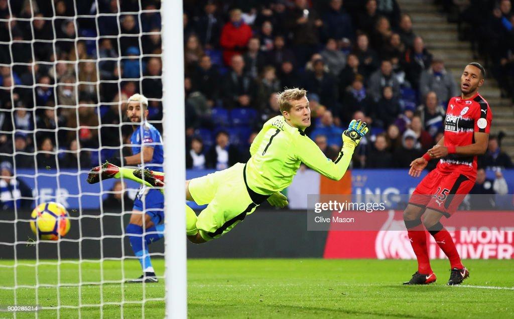 Leicester City v Huddersfield Town - Premier League : News Photo
