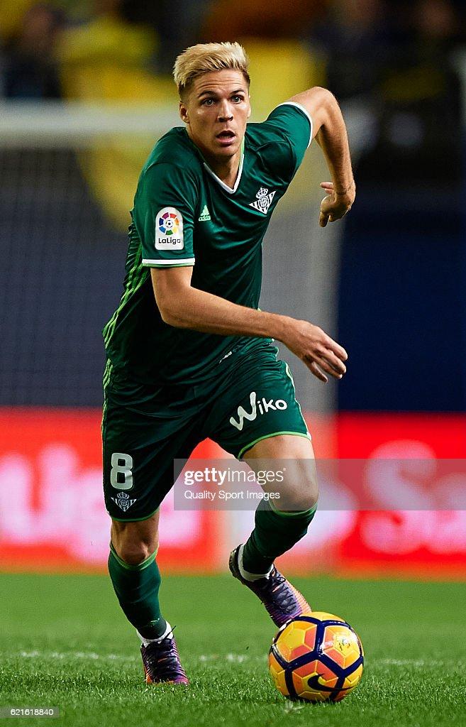 Jonas Martin of Betis runs with the ball during the La Liga match between Villarreal CF and Real Betis at El Madrigal on November 06, 2016 in Villarreal, Spain.
