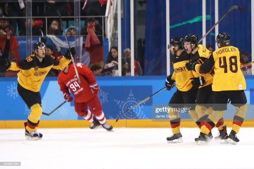 Ice Hockey - Winter Olympics Day 16 : News Photo
