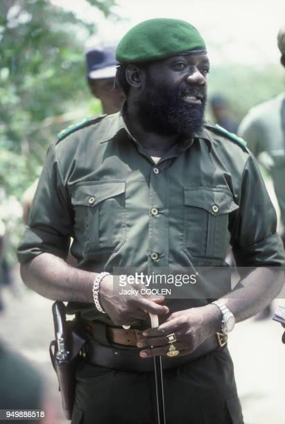 Jonas Savimbi fondateur et dirigeant du mouvement politique et militaire angolais l'UNITA en février 1985 en Angola