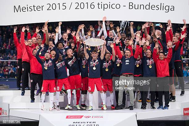 Jonatan Soriano celebrates with the trophy and his teammates Valon Berisha, Hee-Chan Hwang, David Atanga, Alexander Walke Dayot Upamecano, Andreas...
