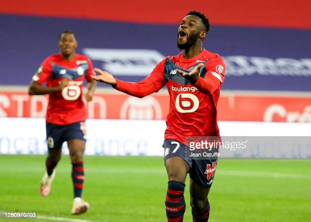 Jonathan Bamba of Lille celebrates his goal during the Ligue 1 match between Lille OSC and RC Lens at Stade Pierre Mauroy on October 18, 2020 in...