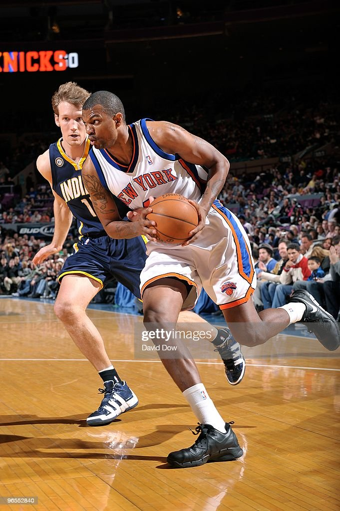 Jonathan Bender #9 of the New York Knicks moves the ball against Mike Dunleavy #17 of the Indiana Pacers during the game on January 3, 2010 at Madison Square Garden in New York City. The Knicks won 132-89.